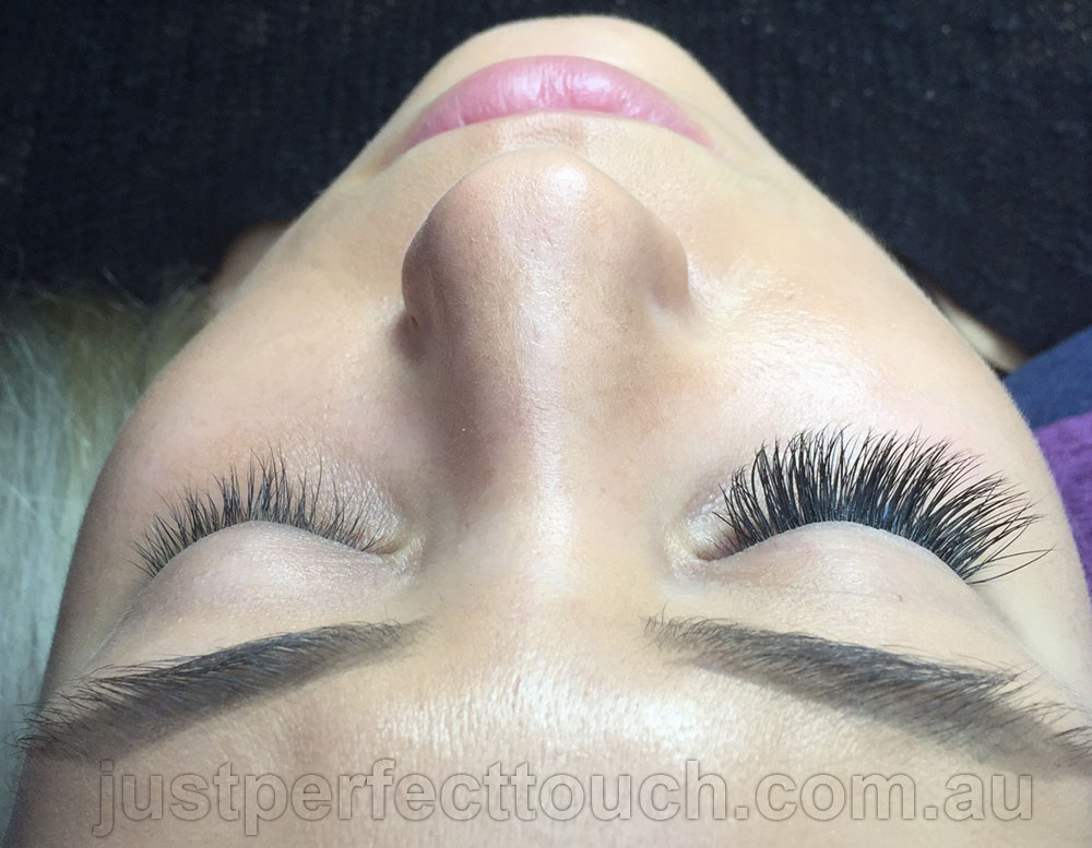 Russian Eyelash extensions before after