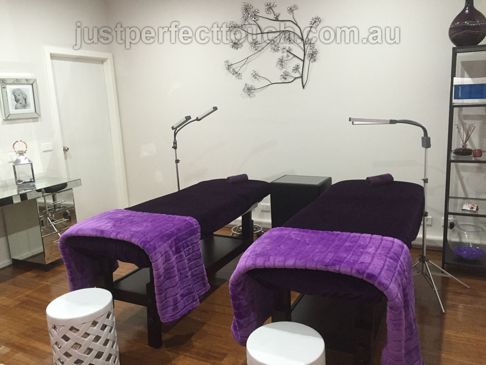 eyelash extensions salon interior