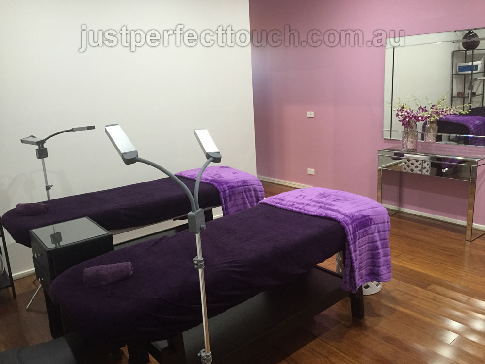 lash extensions salon interior