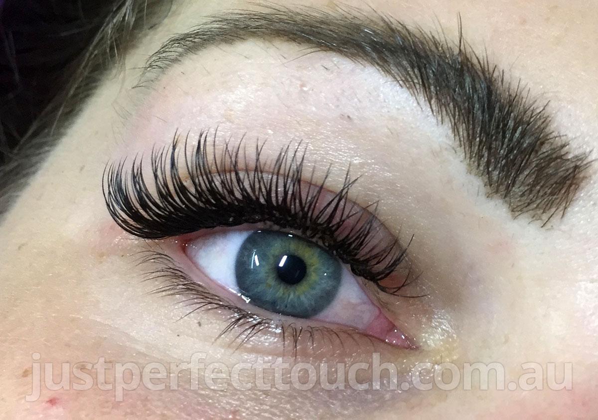 Classic eyelash extensions Melbourne